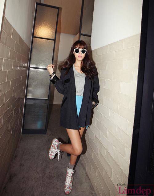 mix_chan_vay_voi_giay_the_thao_cua_co_nang_ca_tinh_10