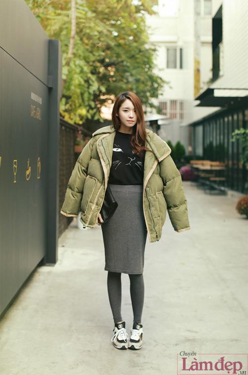 mix_chan_vay_voi_giay_the_thao_cua_co_nang_ca_tinh_6